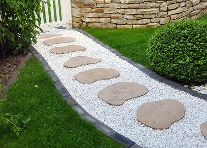 Steinplatten im garten landschaftsbau galabau natursteinplatten in bielefeld bonn m nster - Gartengestaltung mit sandstein ...