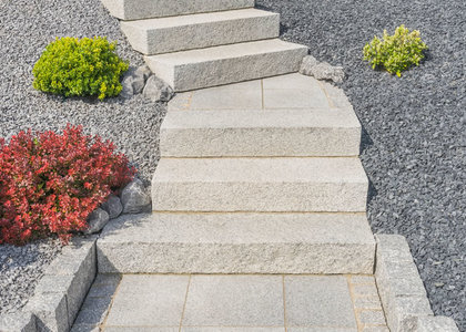 Garten gehwegplatten - Gartenwege gunstig gestalten ...